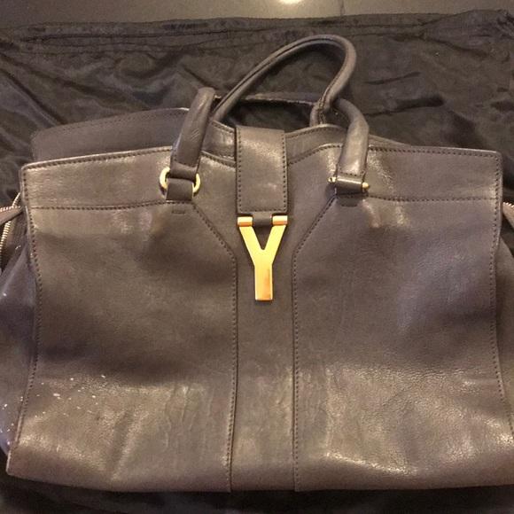 YSL handbag. Pre-owned in dark grey color. M 5a4e94336bf5a63b46001258 53afe10536